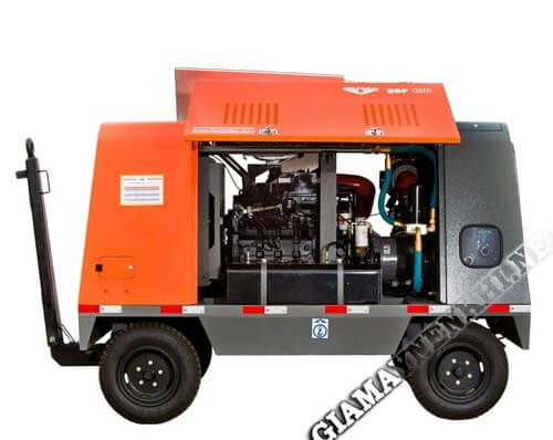 Nguồn cấp khí của máy nén khí di động trợ giúp cho việc cứu hộ xe trên đường