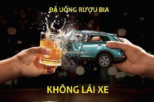 di-xe-may-uong-ruou-phat-bao-nhieu-uong-ruou-khong-lai-xe