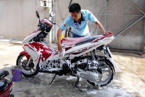 Cách xử lý xe bị trầy xước xe máy