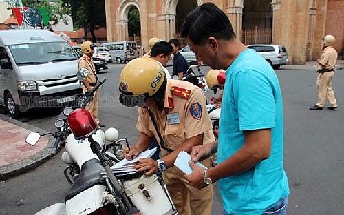 phạt không mang giấy đăng ký xe