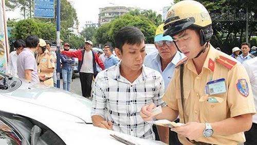 phạt quên giấy phép xe máy