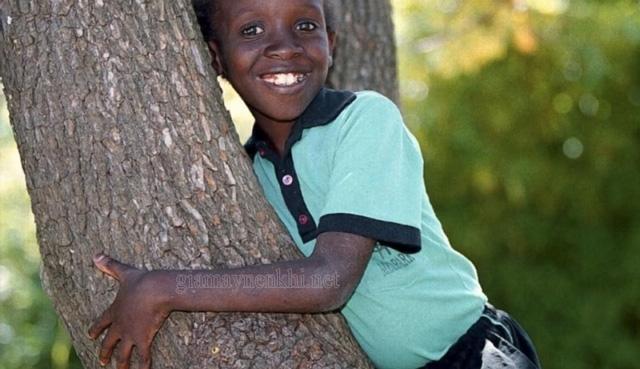 Nkosi Johnson - Người phá hủy quan điểm của thế giới về người mắc bệnh AIDS